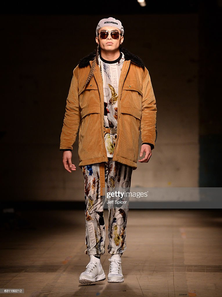 Astrid Andersen - Runway - LFW Men's January 2017 : News Photo