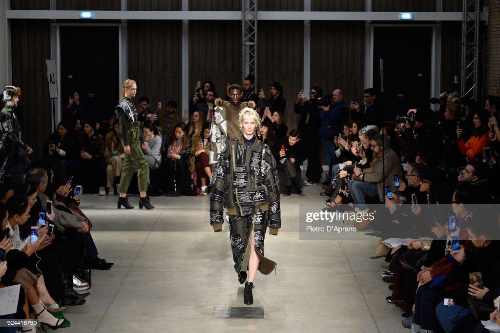 Atsushi Nakashima - Runway - Milan Fashion Week Fall/Winter 2018/19 : ニュース写真