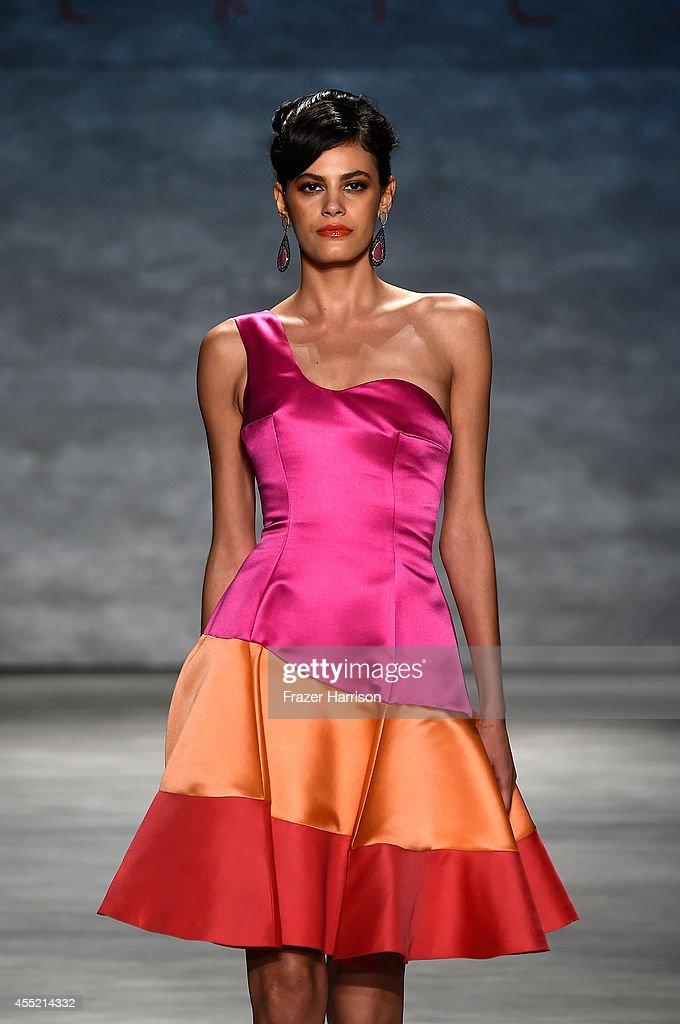 B. Michael America - Runway - Mercedes-Benz Fashion Week Spring 2015 : Nachrichtenfoto