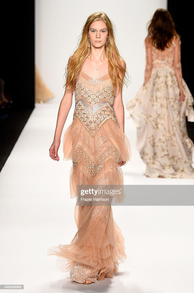 Badgley Mischka - Runway - Mercedes-Benz Fashion Week Spring 2015 : News Photo