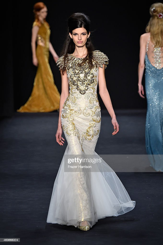 Badgley Mischka - Runway - Mercedes-Benz Fashion Week Fall 2015 : Foto jornalística