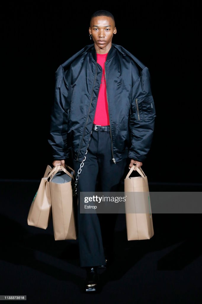 Balenciaga : Runway - Paris Fashion Week Womenswear Fall/Winter 2019/2020 : News Photo