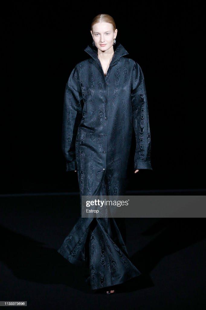 model-walks-the-runway-at-the-balenciaga-show-at-paris-fashion-week-picture-id1133373696