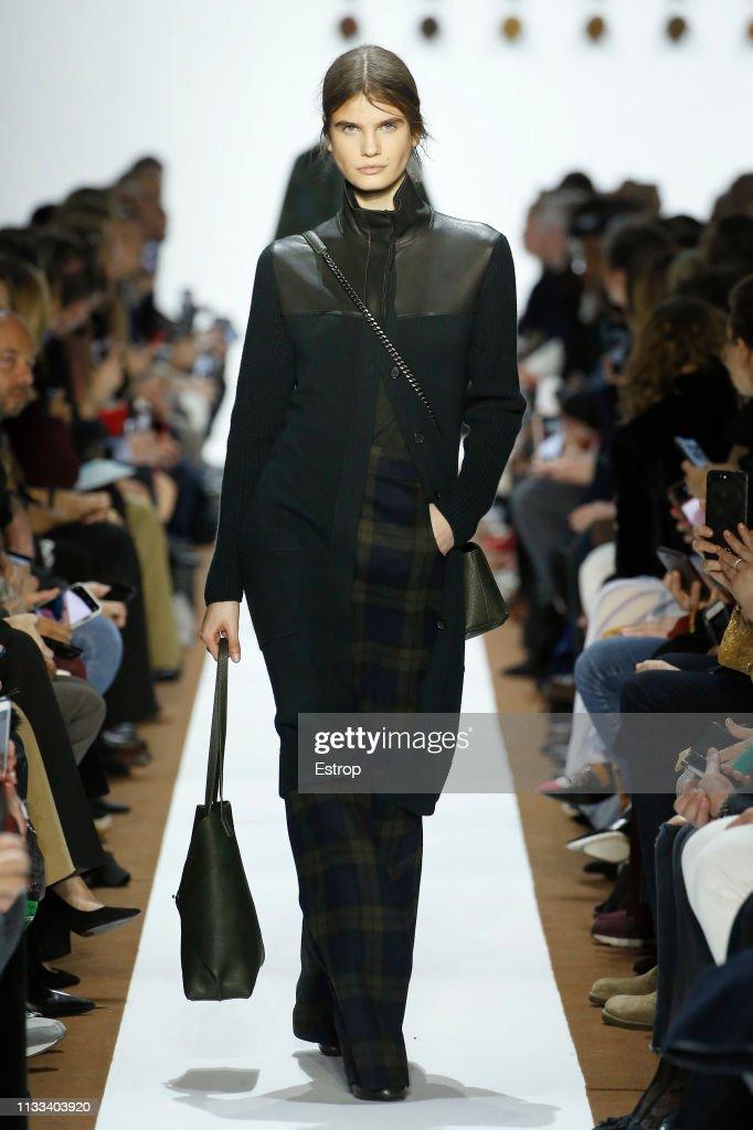 model-walks-the-runway-at-the-balenciaga-show-at-paris-fashion-week-picture-id1133403920