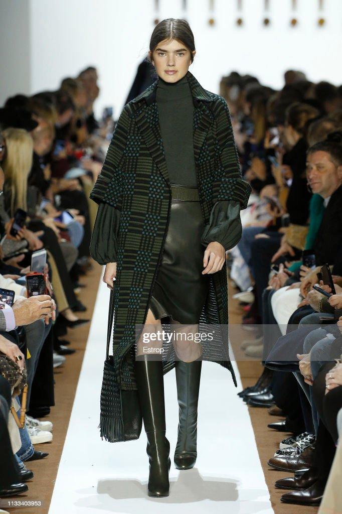 model-walks-the-runway-at-the-balenciaga-show-at-paris-fashion-week-picture-id1133403953