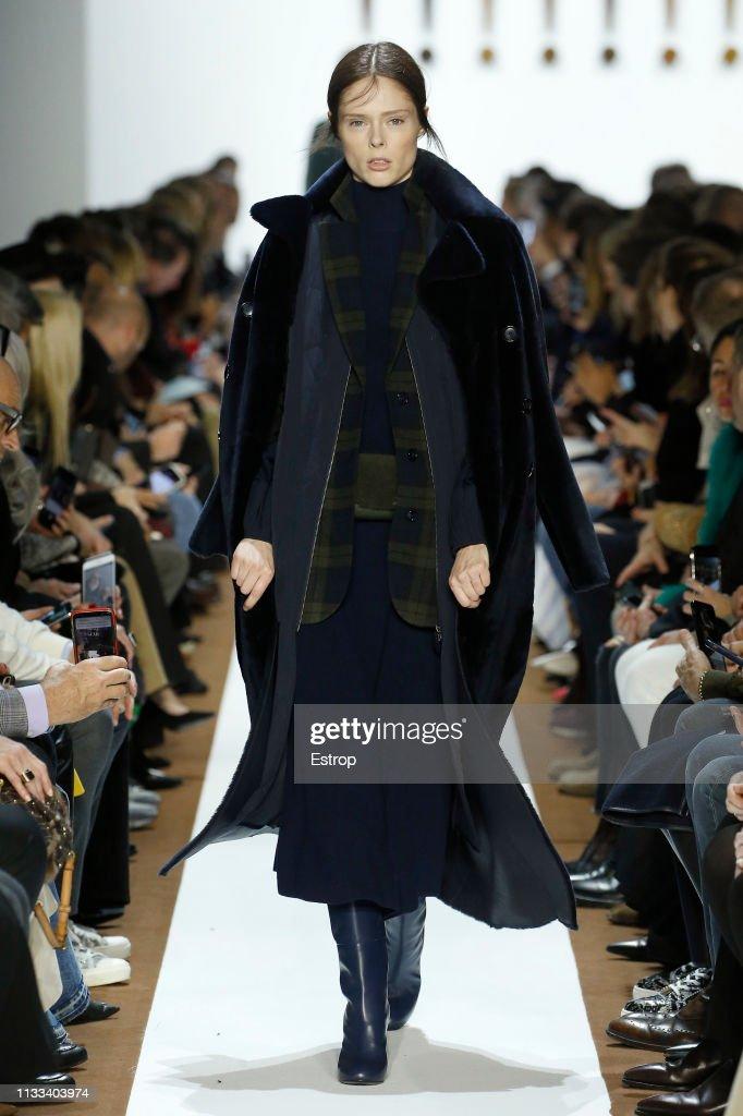 model-walks-the-runway-at-the-balenciaga-show-at-paris-fashion-week-picture-id1133403974