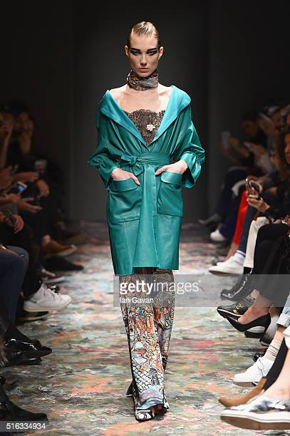A model walks the runway at the Bashaques' show during the MercedesBenz Fashion Week Istanbul Autumn/Winter 2016 at Zorlu Center on March 18 2016 in...