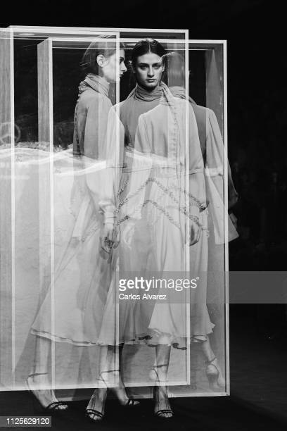 A model walks the runway at the Beatriz Penalver fashion show during the Mercedes Benz Fashion Week Autumn/Winter 20192020 at Ifema on January 28...