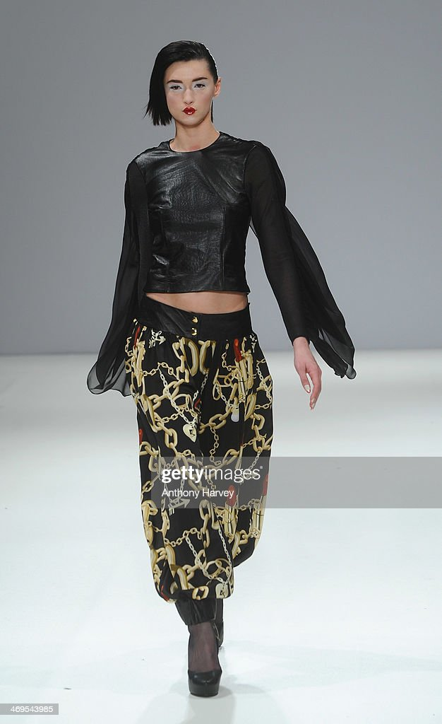 Belle Sauvage: Runway - London Fashion Week AW14 : News Photo