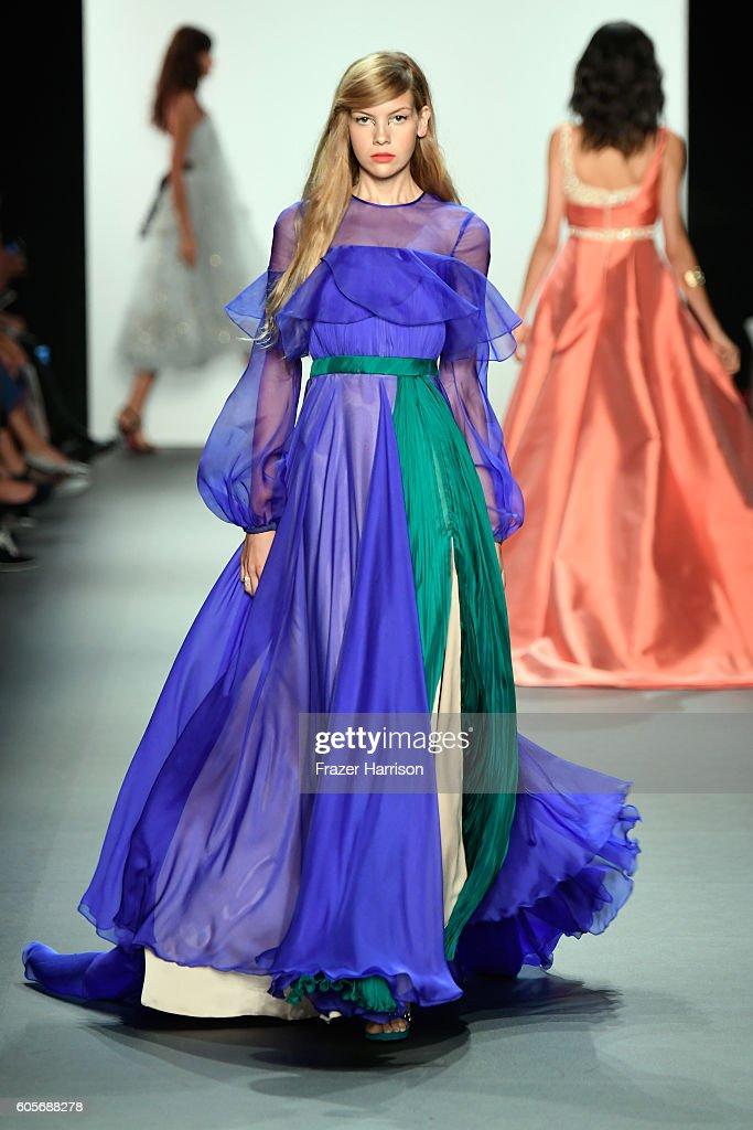 NY: Bibhu Mohapatra - Runway - September 2016 - New York Fashion Week: The Shows
