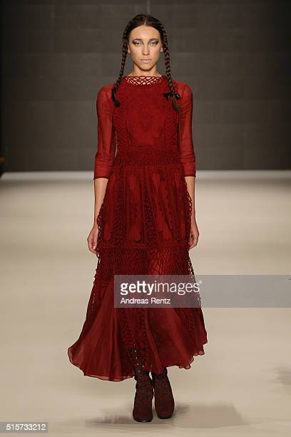 Model walks the runway at the Bora Aksu show during the Mercedes-Benz Fashion Week Istanbul Autumn/Winter 2016 at Zorlu Center on March 15, 2016 in...