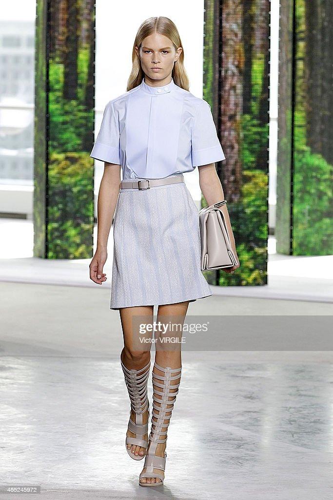 Boss - Runway - Mercedes-Benz Fashion Week Spring 2015 : News Photo