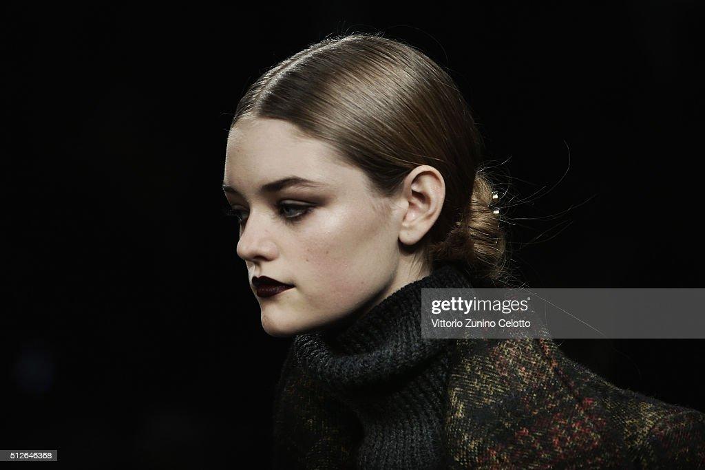 Bottega Veneta Alternative Views - Milan Fashion Week Fall/Winter 2016/17 : News Photo