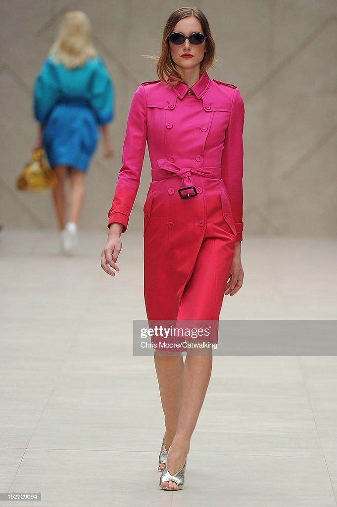 09ca7f10c087 Burberry Prorsum - Runway RTW - Spring 2013 - London Fashion Week : News  Photo