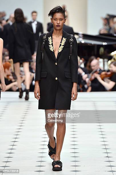 A model walks the runway at the Burberry Prorsum Spring Summer 2016 fashion show during London Fashion Week on September 21 2015 in London United...