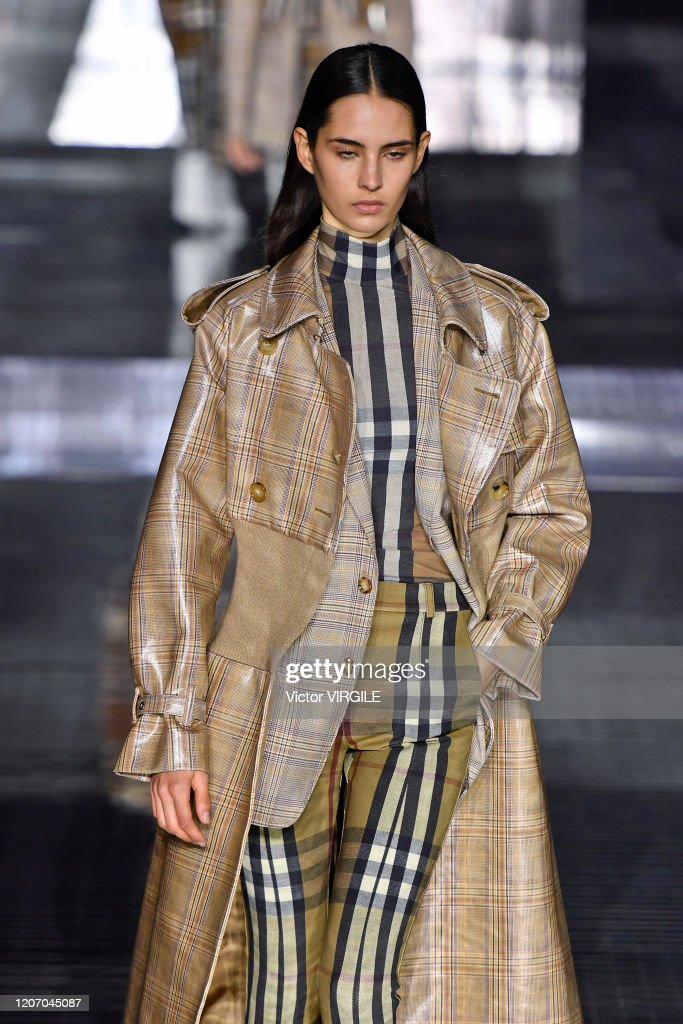 Burberry - Runway - LFW February 2020 : News Photo