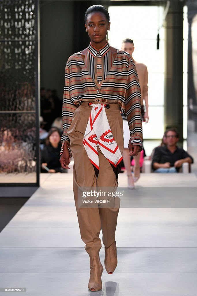 Burberry - Runway - LFW September 2018 : News Photo