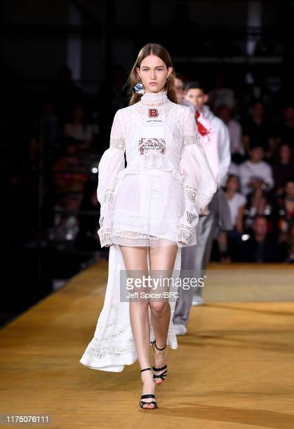 Model walks the runway at the Burberry show during London Fashion Week September 2019 at Troubadour White City Theatre on September 16, 2019 in...