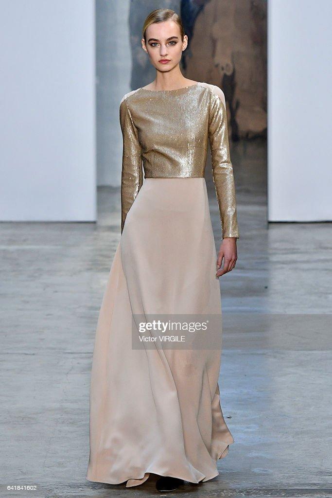 Carolina Herrera - Runway - February 2017 - New York Fashion Week : News Photo
