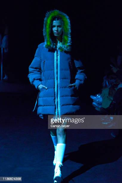 A model walks the runway at the CeleBrand show during MercedesBenz Istanbul Fashion Week at the Zorlu Performance Hall on March 19 2019 in Istanbul...