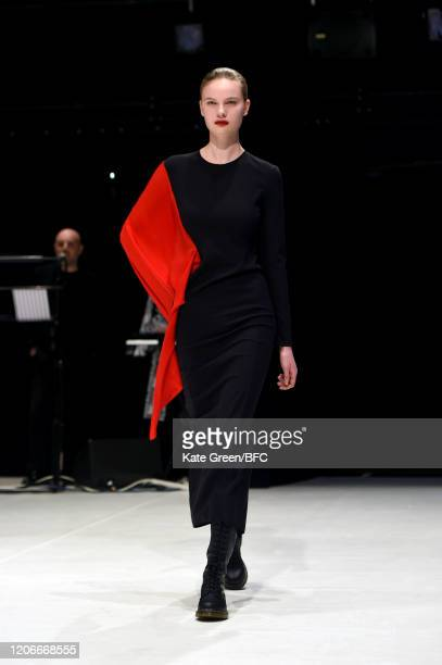 Model walks the runway at the Chalayan show during London Fashion Week February 2020 on February 16, 2020 in London, England.