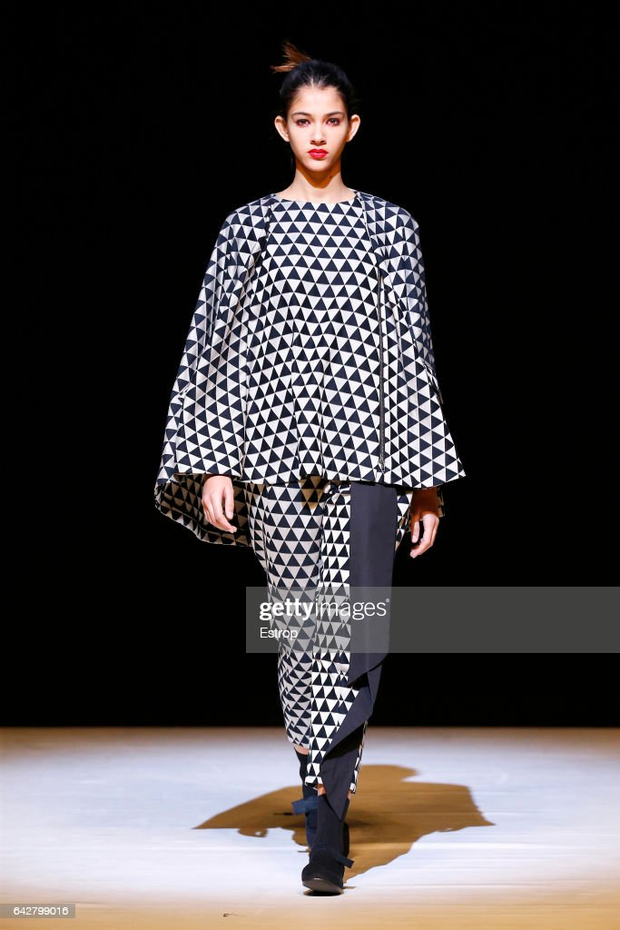 CHALAYAN - Runway - LFW February 2017 : News Photo