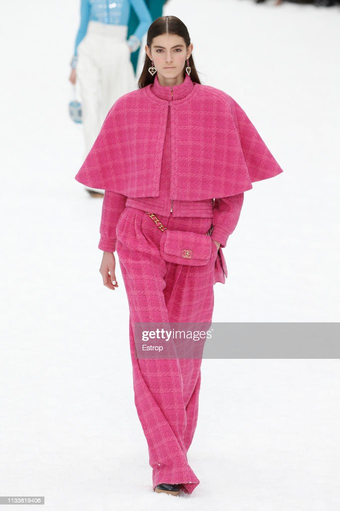 Chanel : Runway - Paris Fashion Week Womenswear Fall/Winter 2019/2020 : ニュース写真
