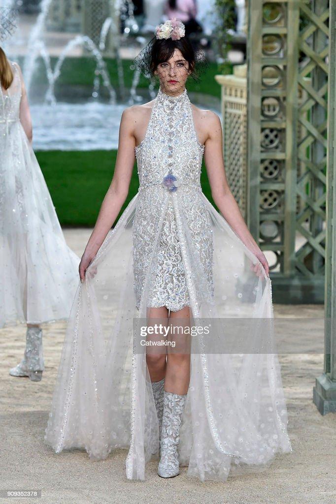 Chanel spring summer 2018 dresses for women
