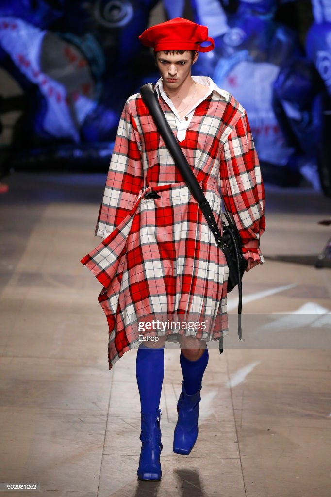 Charles Jeffrey LOVERBOY - Runway - LFWM January 2018 : Nachrichtenfoto
