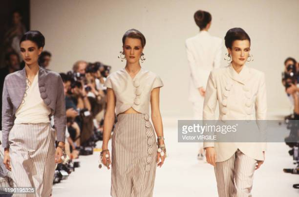Model walks the runway at the Chloe Ready to Wear Spring/Summer 1989 fashion show during the Paris Fashion Week in October, 1988 in Paris, France.