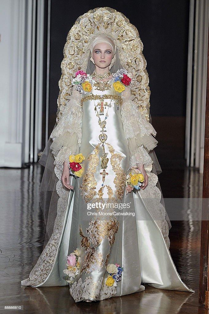 Christian Lacroix: Paris Fashion Week Haute Couture A/W 2009/10 ...
