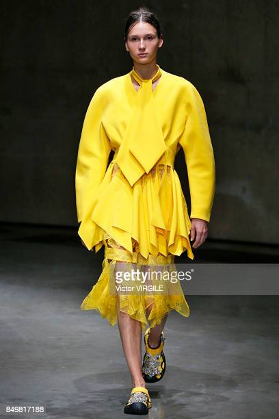A model walks the runway at the Christopher Kane Ready to Wear Spring/Summer 2018 fashion show during London Fashion Week September 2017 on September...