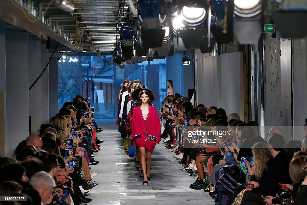 Christopher Kane - Runway - LFW February 2019 : ニュース写真