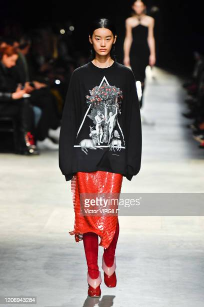 A model walks the runway at the Christopher Kane Ready to Wear Fall/Winter 20202021 fashion show during London Fashion Week on February 17 2020 in...
