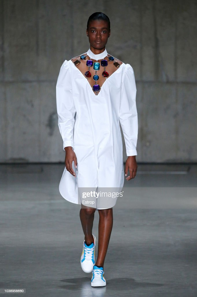 Christopher Kane - Runway - LFW September 2018 : ニュース写真