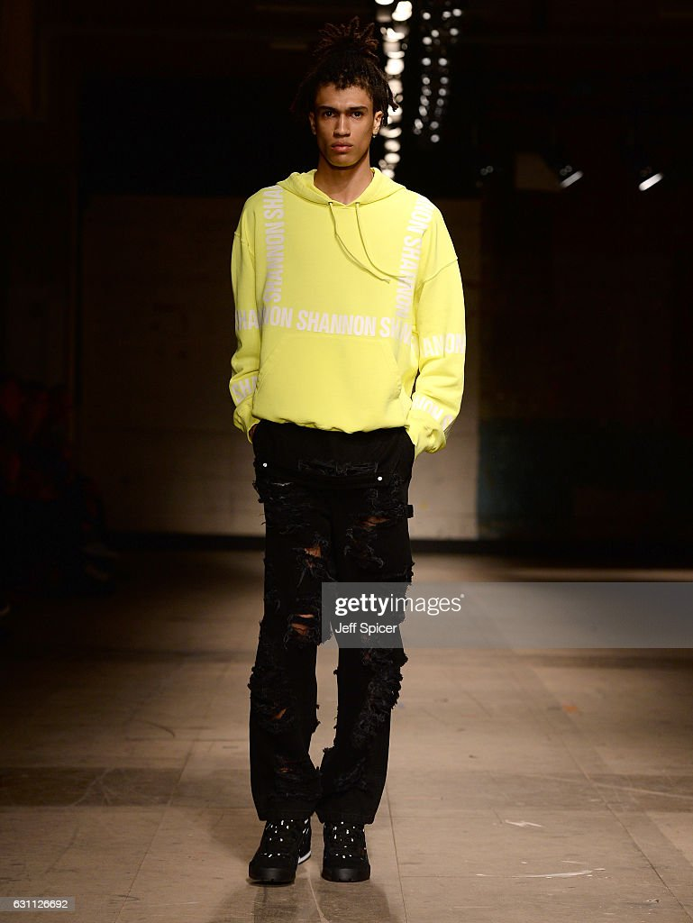 Christopher Shannon - Runway - LFW Men's January 2017 : News Photo