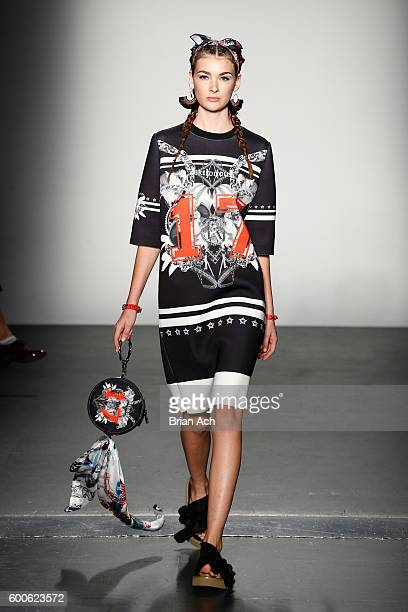 A model walks the runway at the Concept Korea fashion show during New York Fashion Week The Shows September 2016 at Pier 59 Studios on September 8...