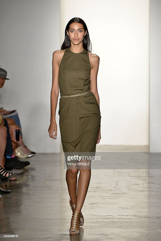 Costello Tagliapietra - Runway - Mercedes-Benz Fashion Week Spring 2015 : Nachrichtenfoto