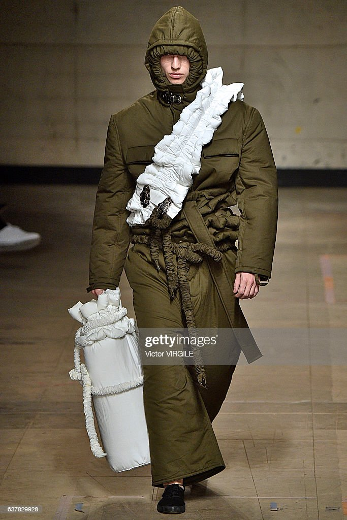 Craig Green - Runway - LFW Men's January 2017 : News Photo