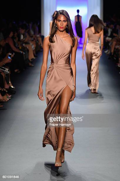 A model walks the runway at the Cushnie Et Ochs fashion show during New York Fashion Week The Shows at The Dock Skylight at Moynihan Station on...