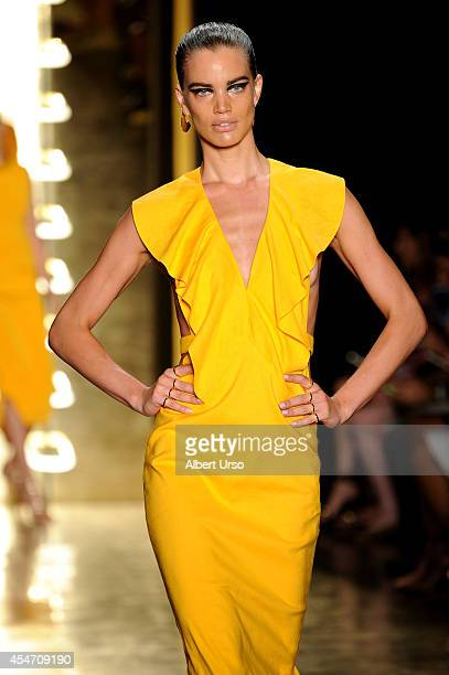 A model walks the runway at the Cushnie Et Ochs fashion show during MercedesBenz Fashion Week Spring 2015 at Milk Studios on September 5 2014 in New...