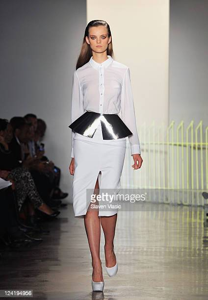 A model walks the runway at the Cushnie Et Ochs Spring 2012 fashion show during MercedesBenz Fashion Week at Milk Studios on September 8 2011 in New...