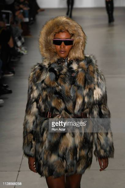 A model walks the runway at the Custo Barcelona Show during New York Fashion Week The Shows Fall Winter 2019 at Pier 59 on February 09 2019 in New...