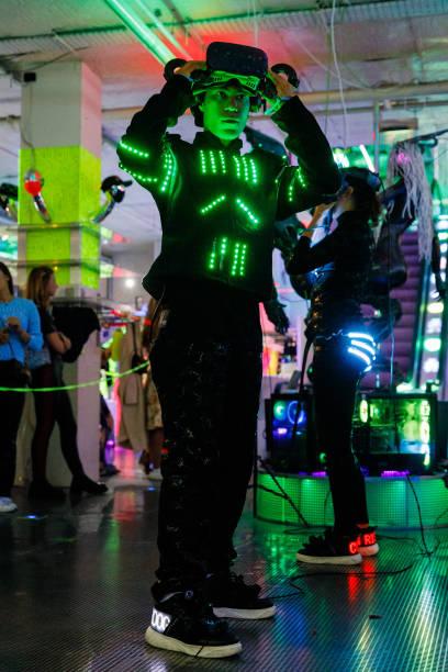 GBR: Cyberdog - IRL/VR - Runway - LFW September 2021