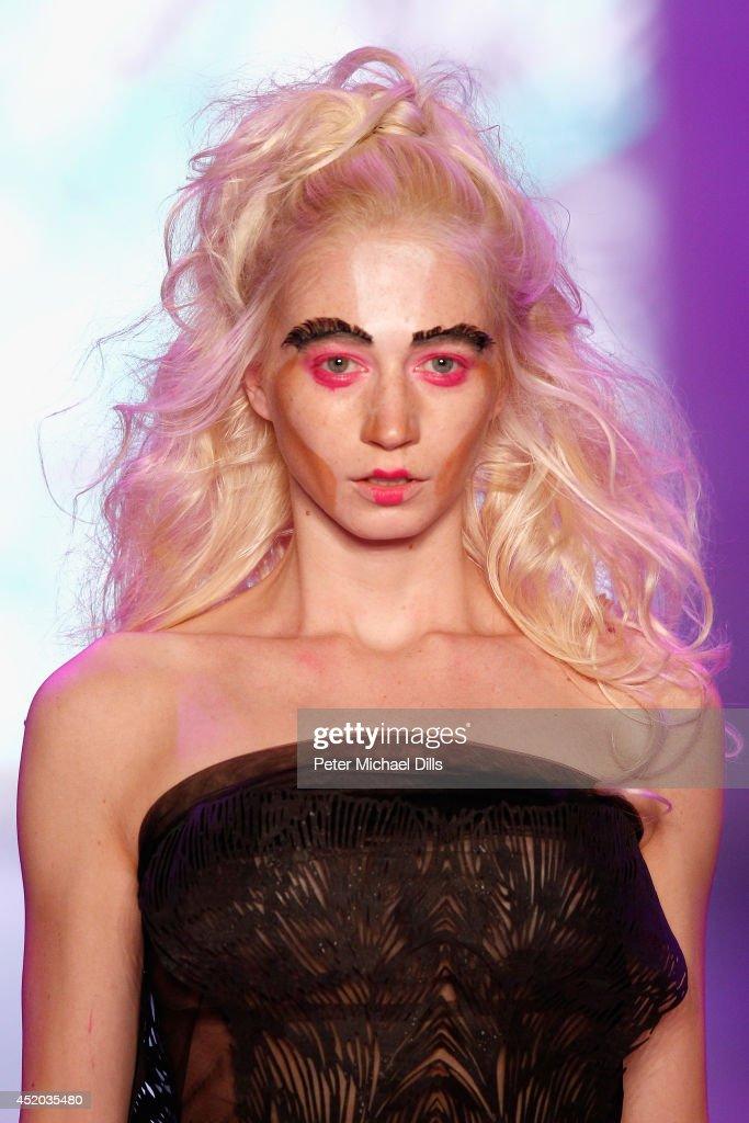 Dare By Johny Dar Show - Mercedes-Benz Fashion Week Spring/Summer 2015 : Nachrichtenfoto