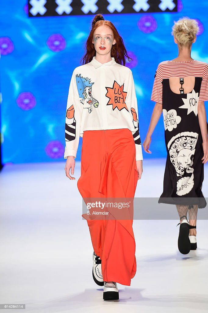 A model walks the runway at the DB Berdan show during Mercedes-Benz Fashion Week Istanbul at Zorlu Center on October 13, 2016 in Istanbul, Turkey.