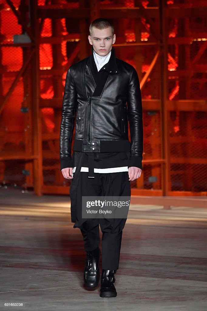 Diesel Black Gold - Runway - Milan Men's Fashion Week Fall/Winter 2017/18 : News Photo