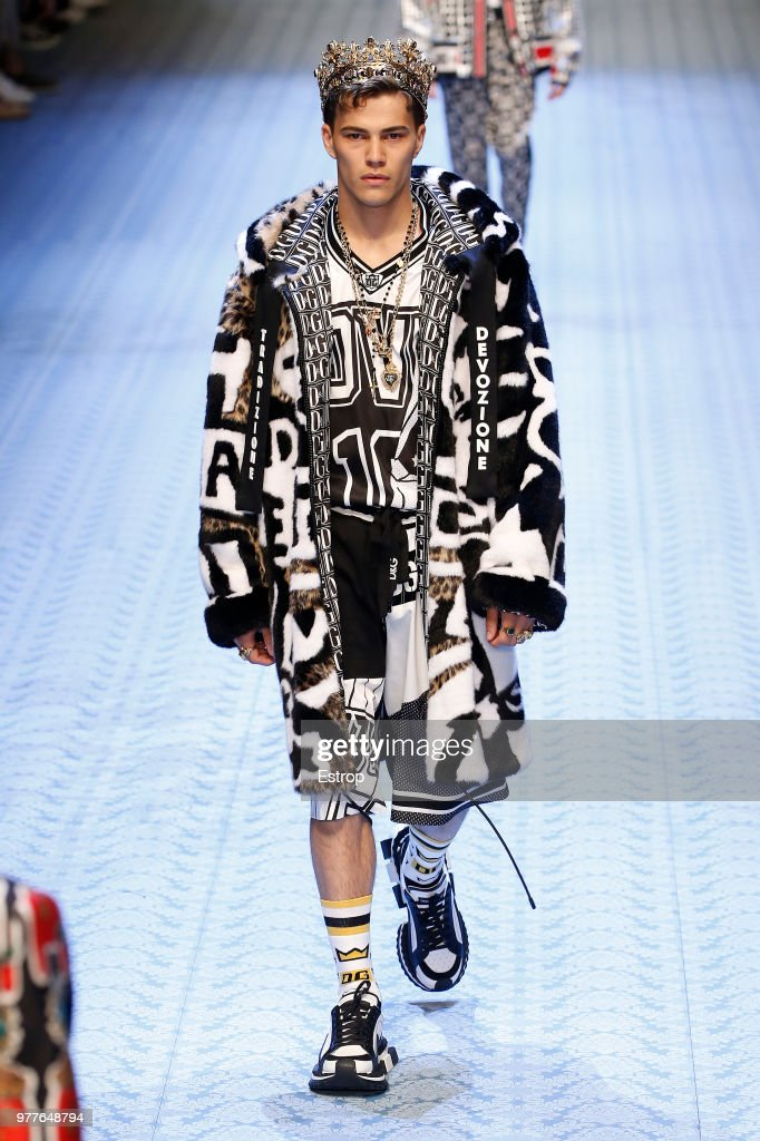 Dolce & Gabbana - Runway - Milan Men's Fashion Week Spring/Summer 2019 : News Photo