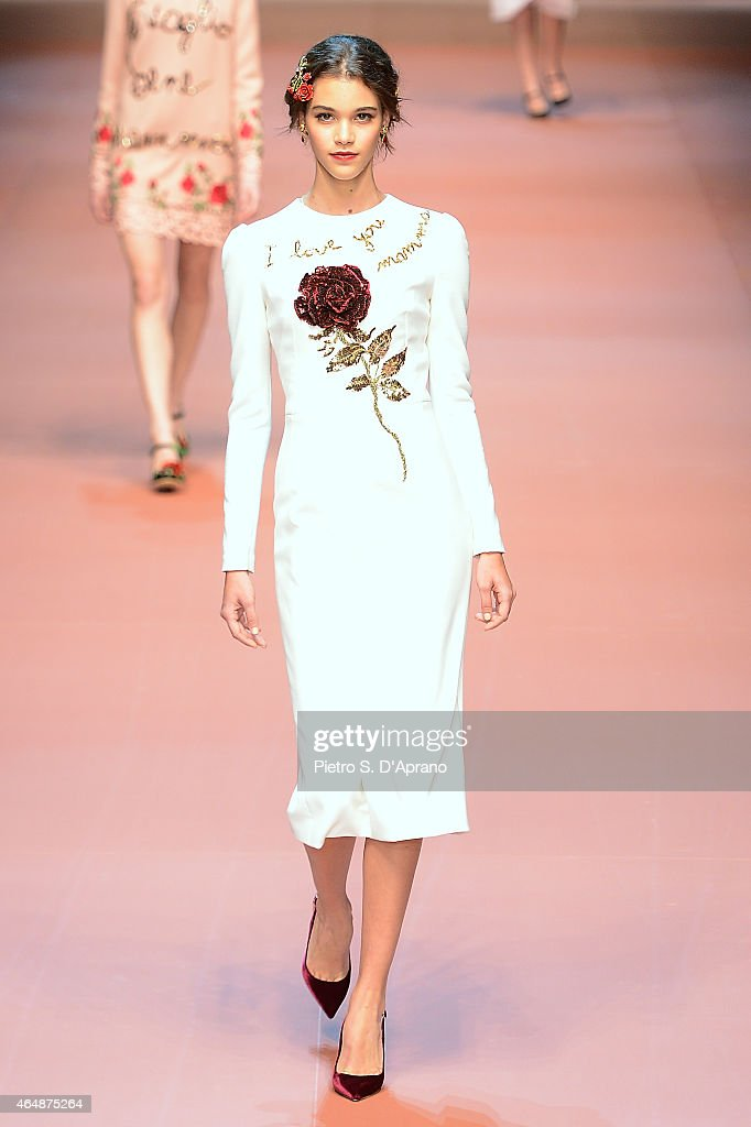Dolce&Gabbana - Runway & Close-ups - MFW FW2015 : News Photo