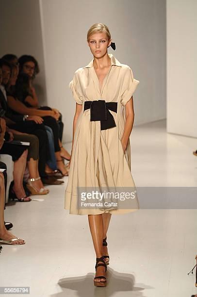 A model walks the runway at the Donna Karan Spring 2006 fashion show during Olympus Fashion Week at the Donna Karan showroom September 16 2005 in New...